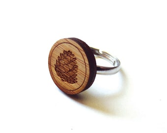 Rustic Pinecone Ring. Pinecone Ring. Wood Ring. Gifts Under 25. Gift for Her. Pinecone Jewelry. Friend Gift. Girlfriend Gift. Mom Gift.