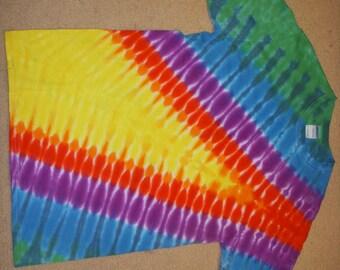 M tie dye tshirt, lightning bolt design, medium