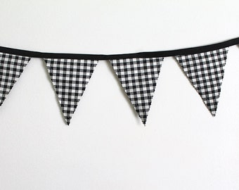 Checkered Flag Bunting party decoration. Fabric sewn flag Banner. Photo prop. 12 Pennant flags for a race car party