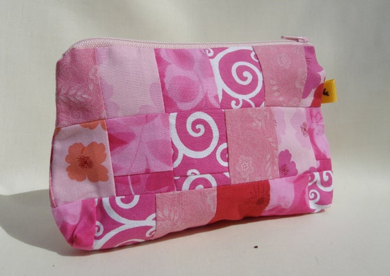 Cosmetic Bag Purse Pouch Patchwork: Think Pink!