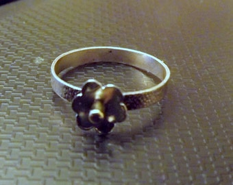 Sterling silver flower stocking ring -Size 7
