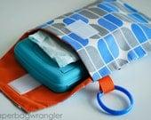SALE !! Blue Mirrah Leaf - Diaper and Wipes Stroller Organizer - Link Loop Diaper Bag