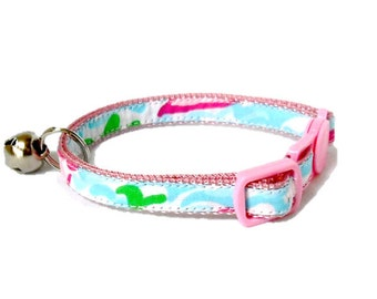 Kitten or Cat Collar Made from Lilly Pulitzer Lobstah Roll Fabric (Breakaway Buckle) with Bow Option
