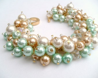 Set of 8 Mint Bracelets, Pearl Bridesmaid Bracelet, Mint Green, Ivory Pearl, Champagne Gold, Cluster Bracelet, Pearl Bracelet, Pearl Jewelry