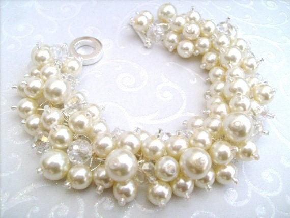 Pearl Wedding Jewelry, Bridal Jewelry,  Pearl Bridesmaid Bracelet, Cluster Bracelet, Pearl Bracelet, Ivory Pearl Bracelet, Ivory Jewelry