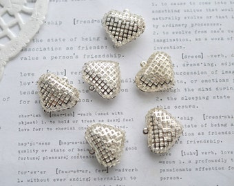 6 x 18mm Silver Plated Caged Hearts