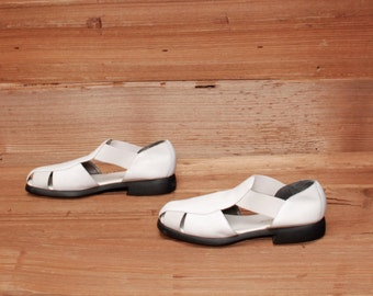 size 7.5 CUTOUT white leather 80s 90s STRAPPY OXFORD slip on sandals