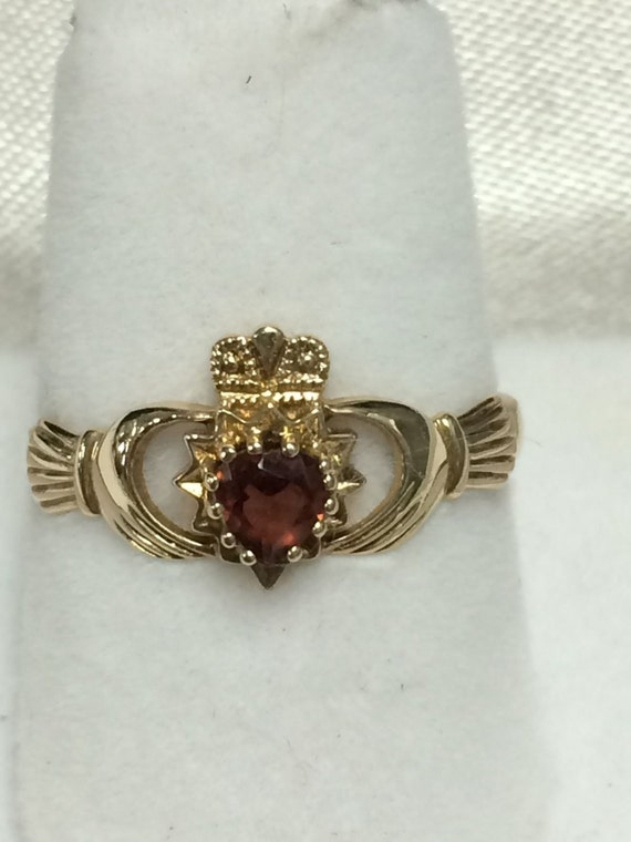 Vintage irish claddagh ring 9k gold and garnet or ruby with for Garnet wedding ring meaning
