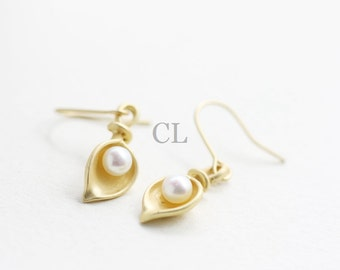 Matte Gold Cala Lily Flower Drop Earring with White Pearl Center (E44)