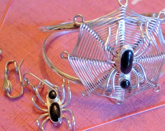 Vintage Spider Bracelet And Earring Set - Handmade - Unique -  SALE -  Onyx Spider In Web -Black and Silver - Insect - Bug