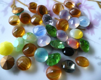 1/2 ounce of Opal, Striated and Transparent Glass Jewels C15