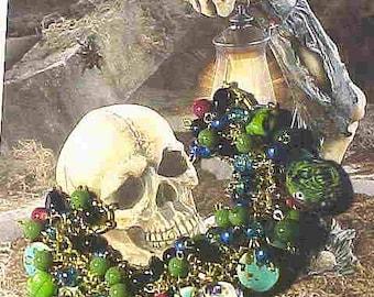 ZOMBIES-Ghouls & Scarey Stuff--BEADED Charm Bracelet--GLASS Beads~Skulls~Frightfully fun--Halloween Fun!