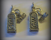 4 Silver Pewter Gin Bottle with Dangling Tonic Charms (qb85)