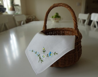 Vintage Handkerchief Wedding Hankie Hand Embroidered Daisies in White and Blue- EnglishPreserves