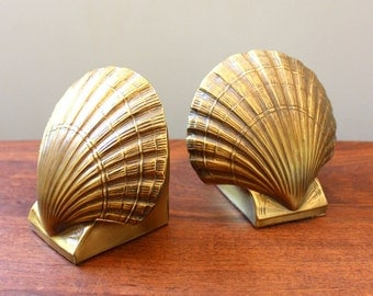Clam Delight. Vintage mussel brass bookends.