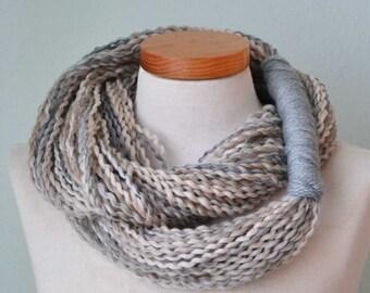 Infinity loop scarf G654