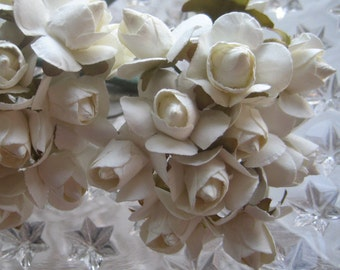 Paper Millinery Flowers 22 Autumn Roses In Off White