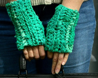 FINGERLESS GLOVES GREEN Spring Festival