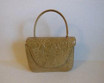 1960s purse / Sassy Structured Vintage 60's Kelly Handbag