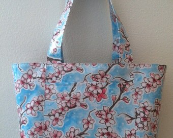 Beth's Medium Apple Blossom Oilcloth Tote Bag with Exterior Pockets