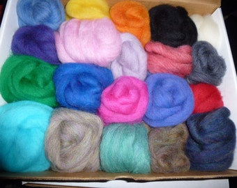 20 colors of all Wool Roving