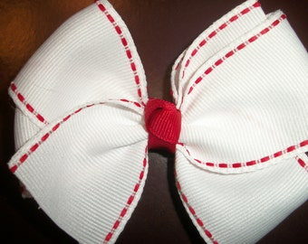 White & Red Valentines Day Hair Bow, Toddlers Hair Bows, Girls Hair Bows, Red and White Hair Bows, Hair Bows, Valentines Day (Item 14-003)