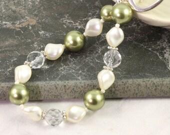 Crystal Quartz Wedding Bracelet Sage Green Pearl Cream Pearl Bracelet Bridal Jewelry Bridesmaid Jewelry Moss Green Bracelet Wedding Jewelry