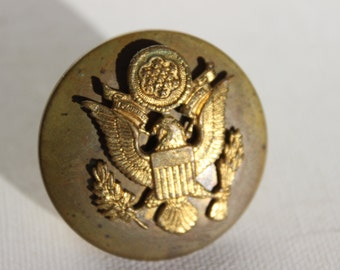 Vintage Hat Badge US Army Enlisted Man Brass Badge Button Pin Medallion