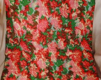 Vintage IMPRESSIONISTIC Tablecloth yardage  bouquets  Floral  Sprays  Textile 52 X 35