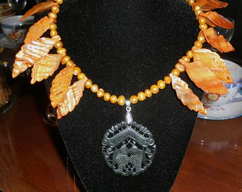 Mermaids Treasure Chest ~ Polynesian Pisces Freshwater Pearl & Carved Leaf Shell Necklace