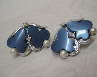 Blue Pearl Silver Earrings Clip Rhinestone Thermoset Plastic Modern Vintage