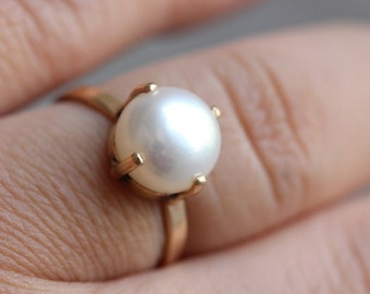 18 kt Gold ring -Prong set - Pearl ring - Wedding ring - Engagement ring - Promise ring - Anniversary ring - Gift for her