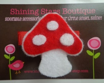 Felt Hair Clip - Girls Hair Accessories - Red And White Felt Mushroom Hair Clippie For Girls - Woodland Or Forest