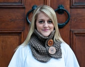 Button cowl, two wood buttons