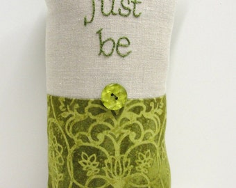 Just be - hand-embroidered pillow in green with natural linen READY TO SHIP