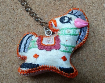 Horse pendant necklace Chinese style embroidered