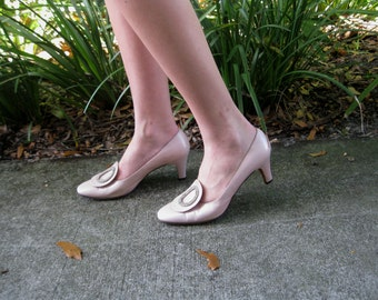 1960s Pearly Pink Pumps with Rhinestones - 6.5