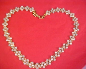 NAPIER - Simulated Pearls Strung Gold Plate Chain Circa 1988-99 Necklace