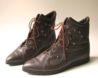 80s vintage Bandits Studded Dark Brown Leather  Ankle Boots / made in Brazil