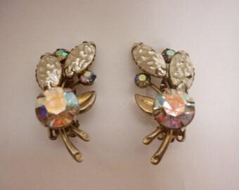 VTG 50s Clip Earrings Aurora Borealis & Pearly Rhinestones