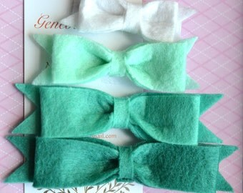 Set of 4 Felt Bow Hairclips in Turquoise