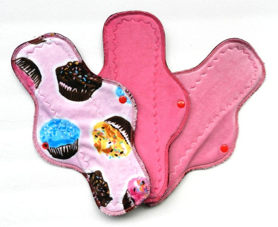 "Pink Cupcakes<br>12"" Heavy Flow Minky Cloth Pad Set"