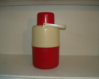 """Vintage Red Picnic Jug  1960s    Plastones    Hot or Cold  11 """"       Beach Party!!"""