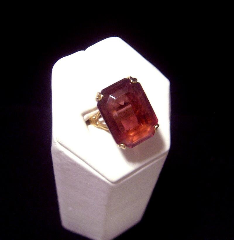 Lovely Vintage Avon Ring Amethyst Glass