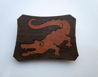 Vintage 1940s  Wood  alligator brooch inlaid wood