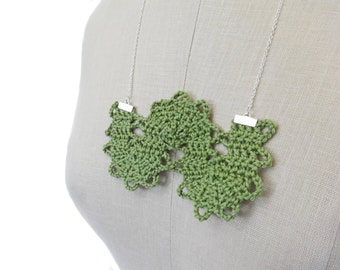 Green Crochet Necklace - Serpentine Lace with Silver Chain