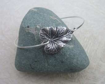 Ivy Leaf - Custom Bangle Bracelet - Fine Silver Wire - Silver Ox Over Brass Leaf