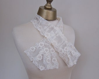 Antique lace jabot, collar,1900,  2 pieces, re-enactment, steampunk, Victorian, ren faire. 100 years old