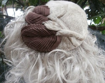 Pillbox  Hat Fake Fur Hat with Matching Fur Brooch Pin~  A Vintage  Dolly Madison Original Hat