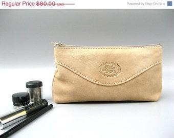 CLEARANCE SALE 50% OFF Cosmetic Make up Case - Purse - Bag - Clutch - in Natural Bright Sand - Nude - Medium size